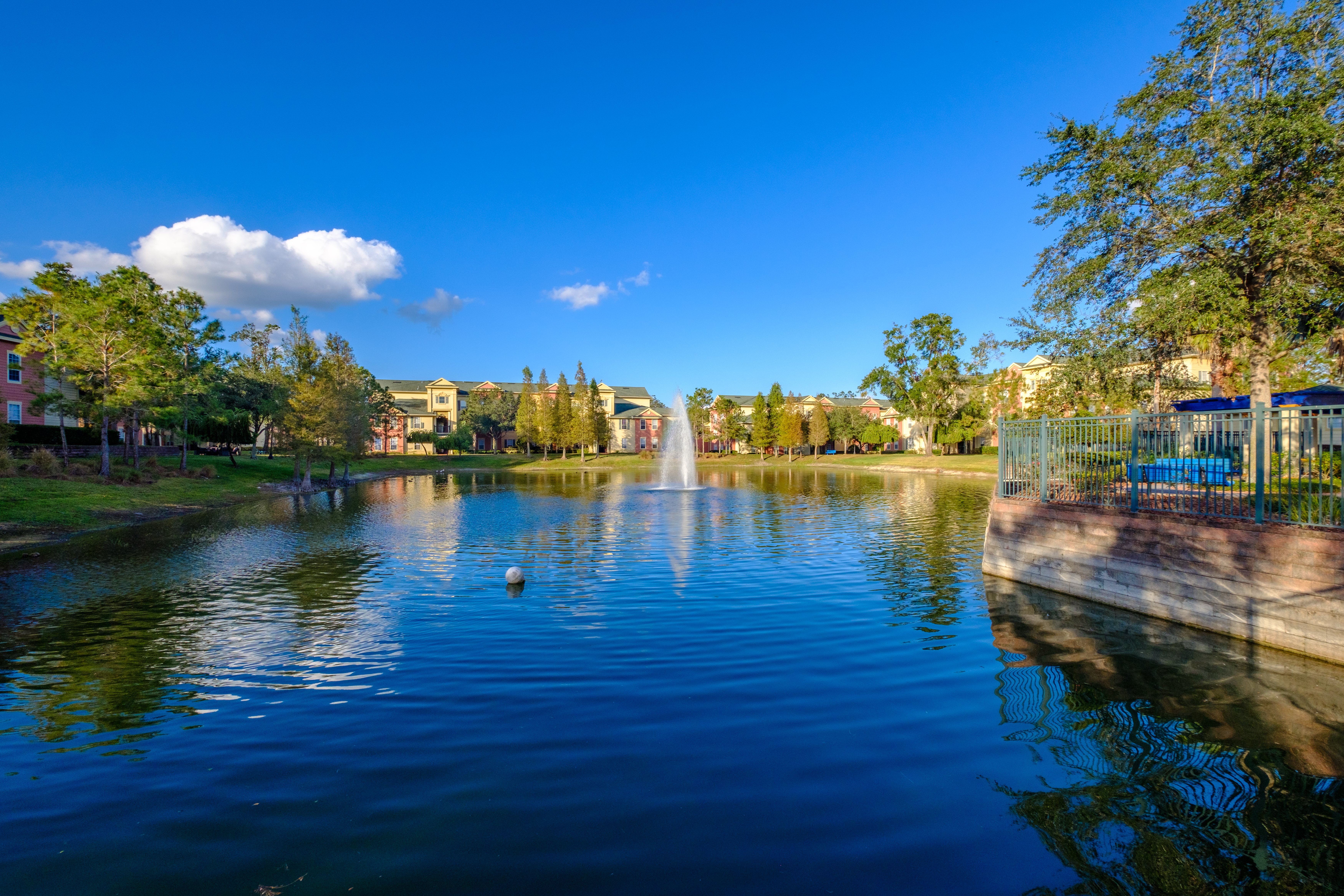 Victoria-Landing-Lake-and-Fountain-4