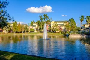 Victoria Landing Lake and Fountain